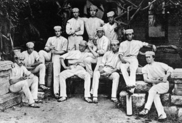 Harrow_cricket_team_of_1869_for_the_match_against_Eton